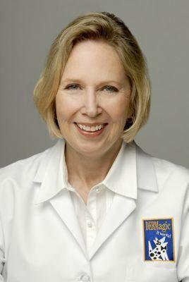 Dr. Adelia Ritchie discută despre rezolvarea problemelor legate de pielea câinelui